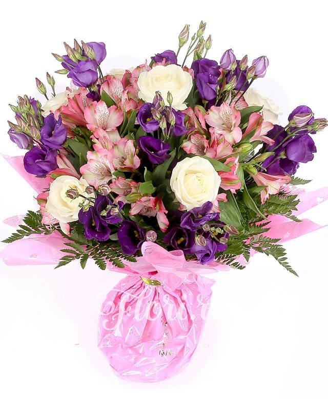5 trandafiri albi, 7 lisianthus mov, 5 alstroemeria roz