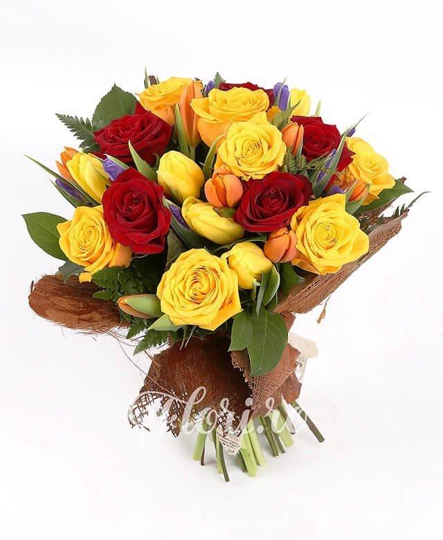5 trandafiri roșii, 7 trandafiri galbeni, 10 iris mov, 7 lalele portocalii, 7 lalele galbene, verdeață
