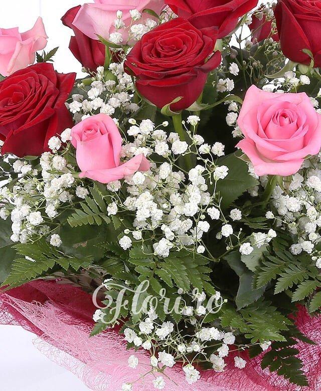 7 trandafiri rosii, 8 trandafiri roz, gypsophila