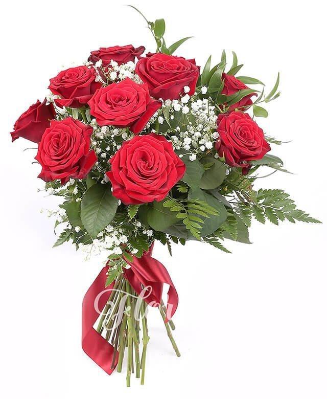 11 trandafiri roșii, verdeață, gypsophila
