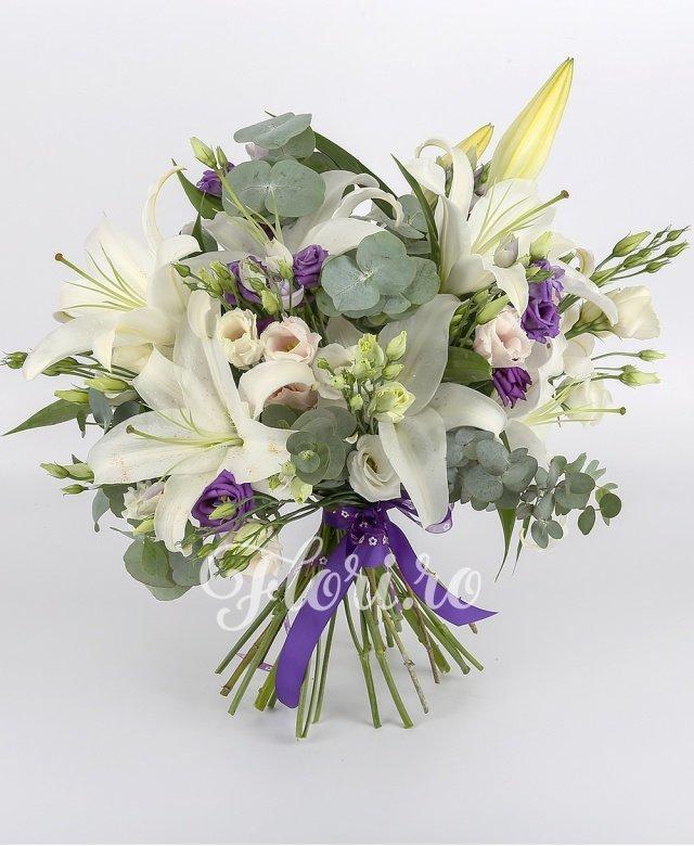 3 crini albi, 5 lisianthus alb, 5 lisianthus mov, 5 lisianthus roz, verdeață