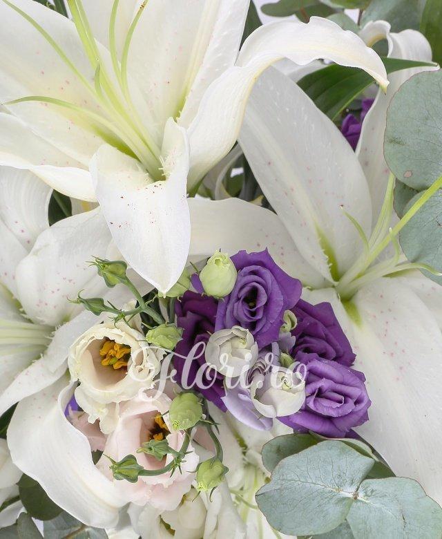 3 crini alb imperial, 5 lisianthus alb, 5 lisiantus mov, 5 lisianthus roz, eucalypt
