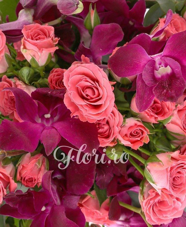 9 orhidee dendrobium mov, 10 miniroze roz, eucalypt, salal
