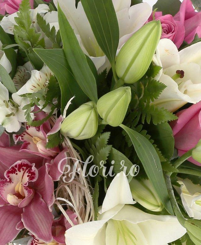 2 crin imperial alb, 7 trandafiri roz, 5 astroemeria alba, 5 cupe orhidee roz, 5 eucalypt, 5 feriga, cuib