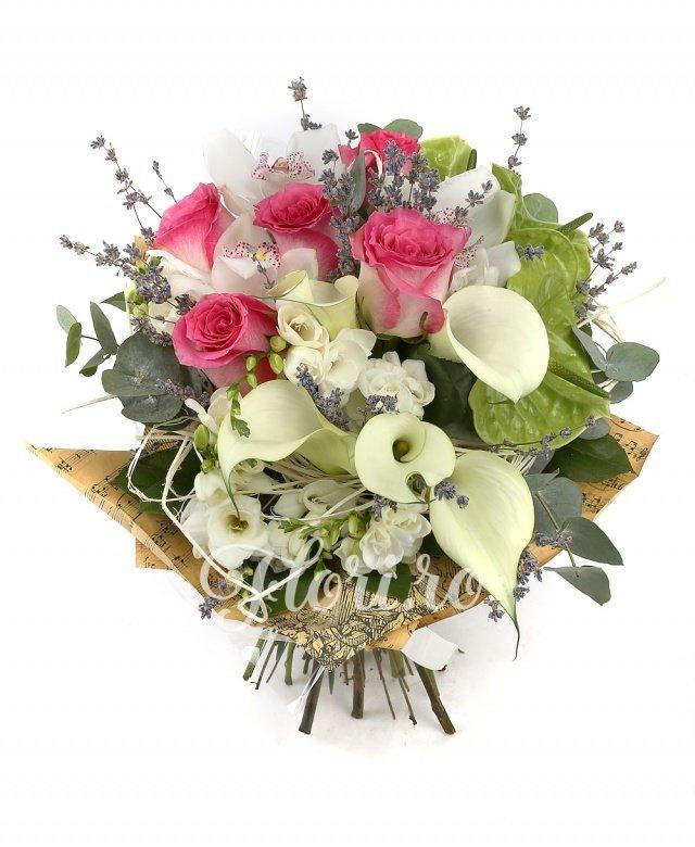 5 trandafiri ciclam, 5 cale albe, 3 anthurium verde, 3 cupe orhidee albe, 5 frezii albe, verdeață