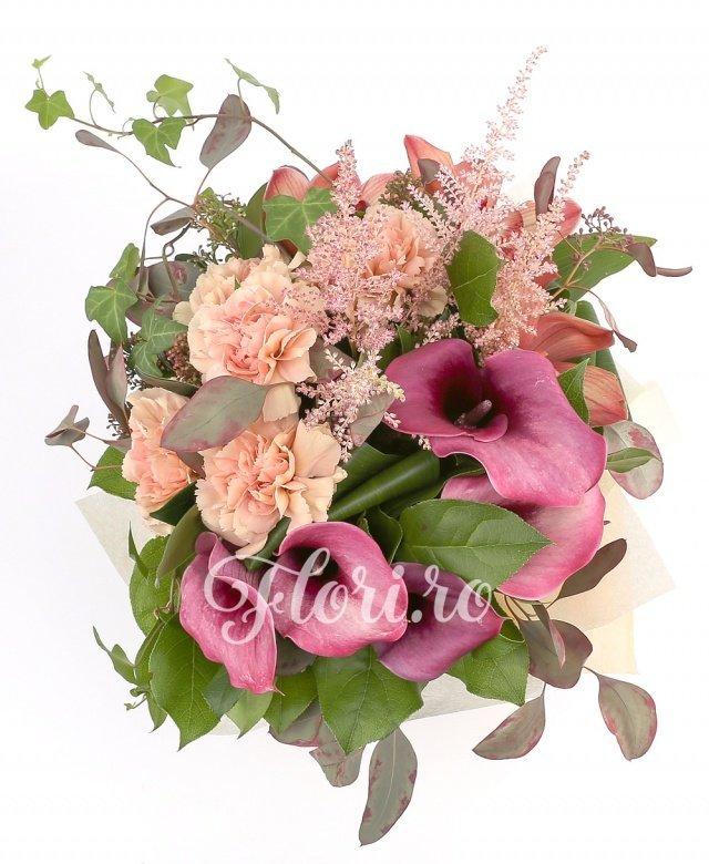 5 cale grena, 5 garoafe, 5 astilbe roz, 5 orhidee cappuccino, 5 aspidistra, 5 salal, 2 eucalypt