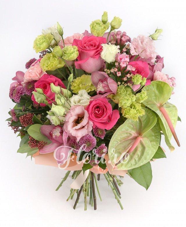 7 trandafiri ciclam, 5 lisianthus verde, 3 lisianthus roz, 5 garoafe roz, 3 bouvardia roz, 5 santini roz, 5 orhidee grena, 2 anthurium verde, verdeață