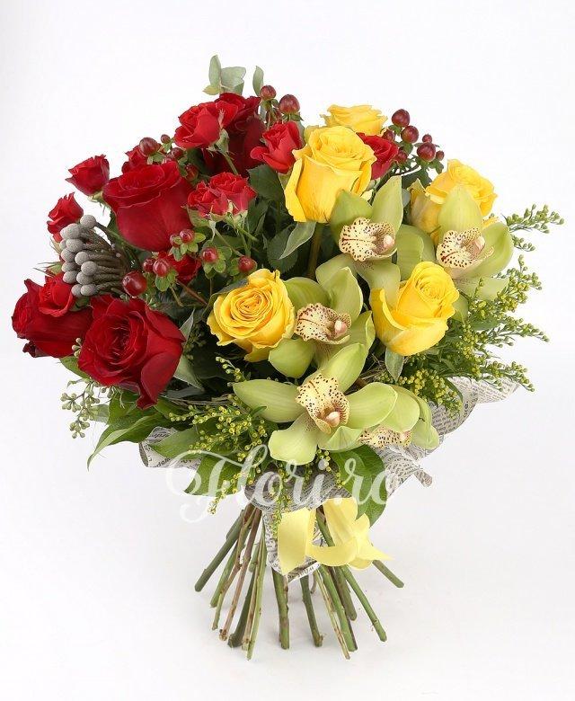 5 cupe orhidee verzi, 5 trandafiri galbeni, 3 solidago, 2 miniroze roșii, 5 trandafiri roșii, 1 burinia, verdeață