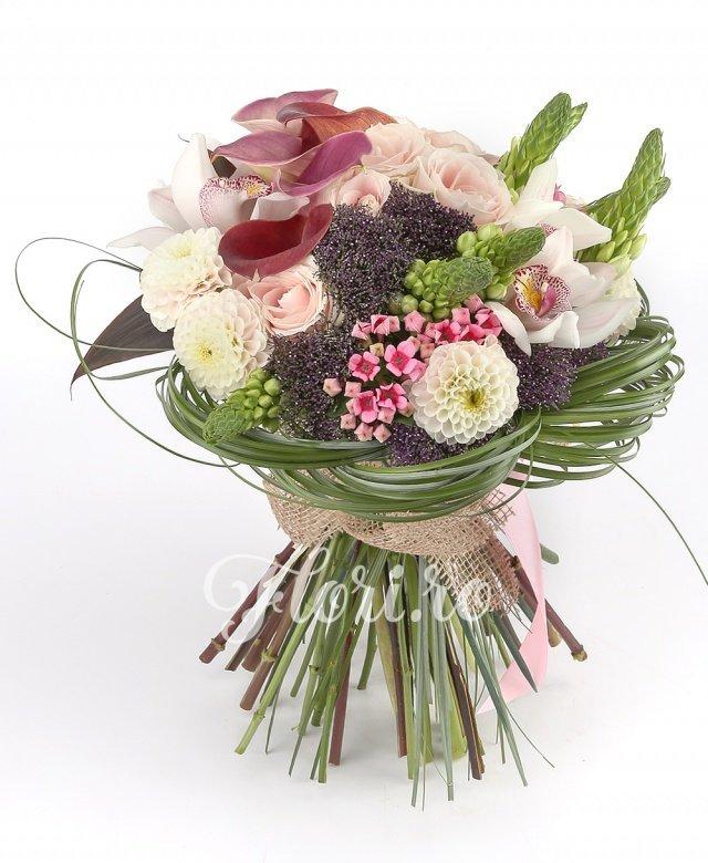 ornithogalum,  trachelium mov,  trandafiri roz,  bouvardia,  dalii,  cale mov, cymbidium, verdeață
