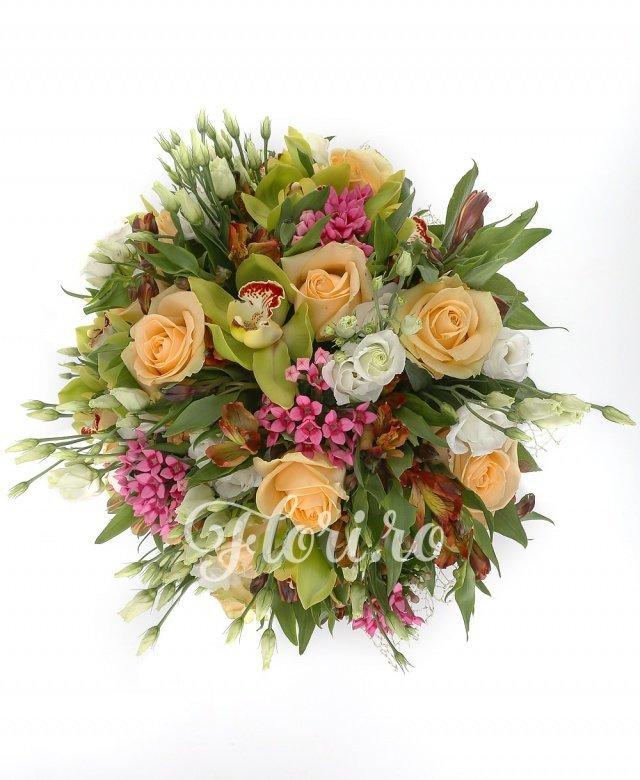 9 trandafiri ivoir, 5 bouvardia roz, 5 lisianthus alb, 7 alstroemeria portocalie, 7 cupe orhidee cymbidium verzi, verdeață