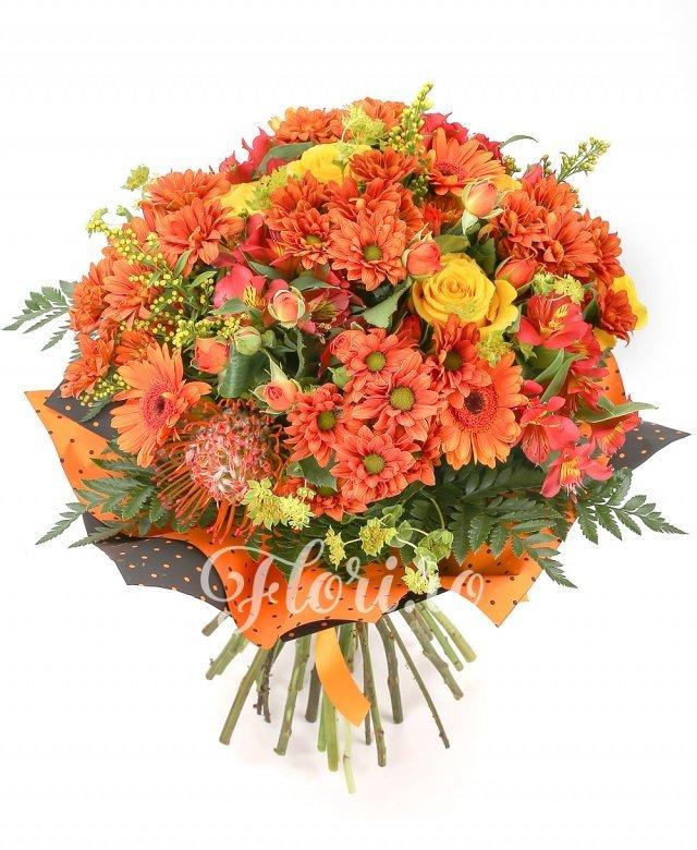 trandafiri galbeni,  leucospermum,  crizanteme portocalii,  gerbera portocalie,  miniroze portocalii,  alstroemeria roșii,  fire solidago galbene, verdeață