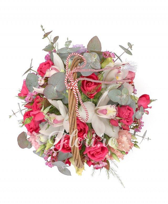 3 cupe orhidee albe, 2 lisianthus roz, 3 miniroze ciclam, verdeață