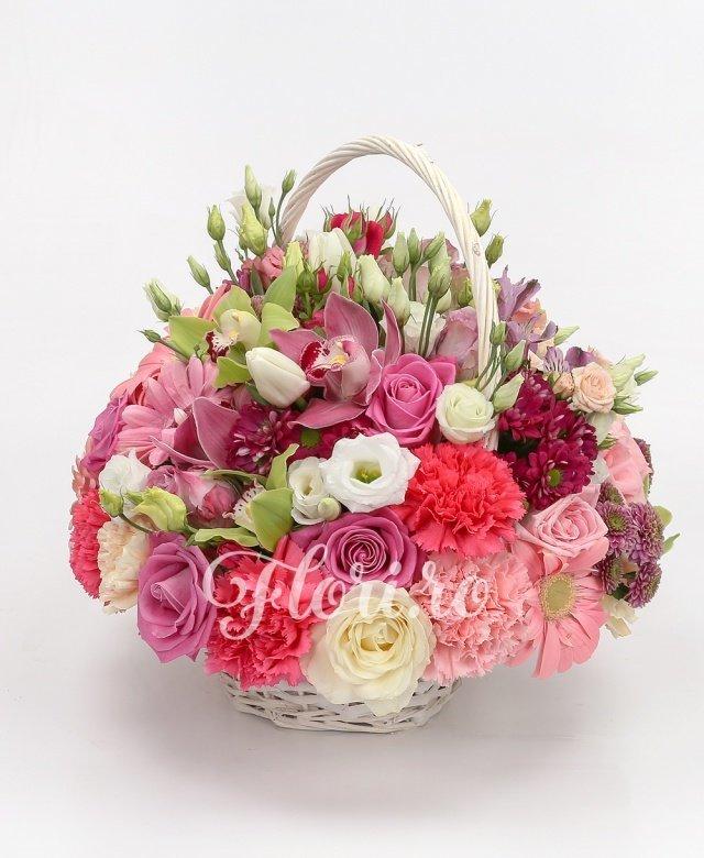 cymbidium grena, cymbidium verde, 5 lisianthus alb, 4 trandafiri albi, 4 santini mov, 4 lisianthus roz, 3 trandafiri roz, 5 garoafe ciclam, 4 garoafe roz, 4 gerbera roz, 3 miniroze roz, 2 alstroemeria mov,  5 lalele albe, verdeață