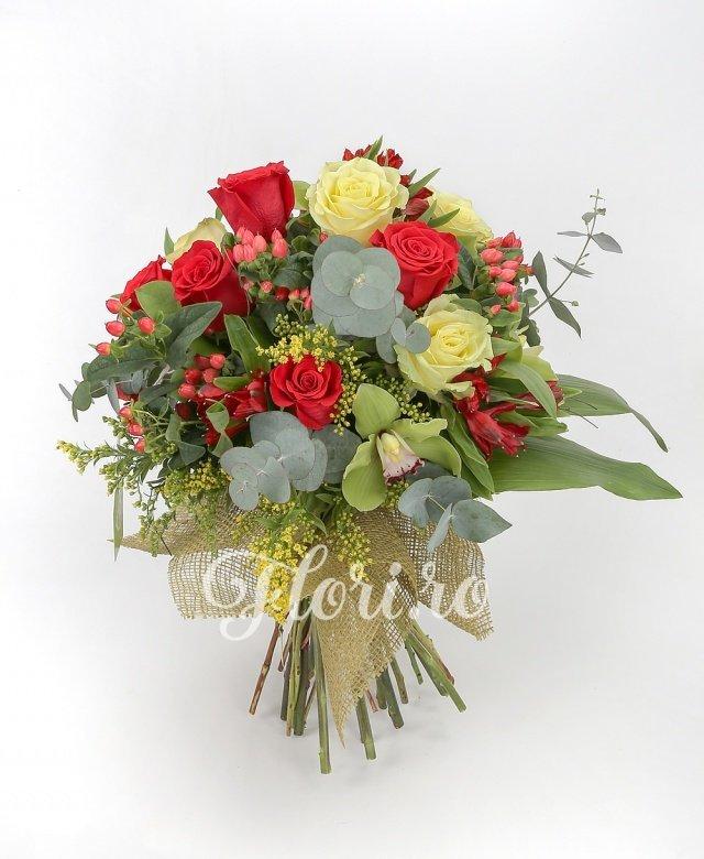 trandafiri galbeni,  trandafiri rosii,  alstroemeria roșie,  hypericum roșu, orhidee cymbidium,  solidago,  aspidistra, verdeață