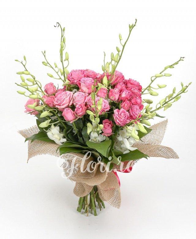 10 miniroze roz, 9 orhidee albă, verdeață