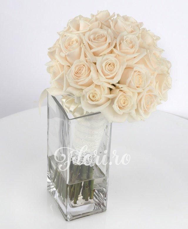 35 trandafiri vendela