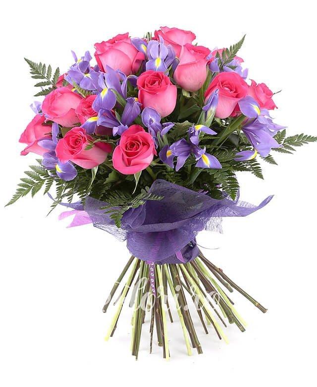 13 trandafiri roz, 14 iris, ferigă