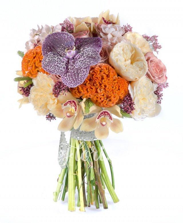 10 trandafiri cappuccino, 10 trandafiri gold, 5 celosia portocalie, 7 floare orez, 10 matthiola crem, cymbidium, orhidee vanda