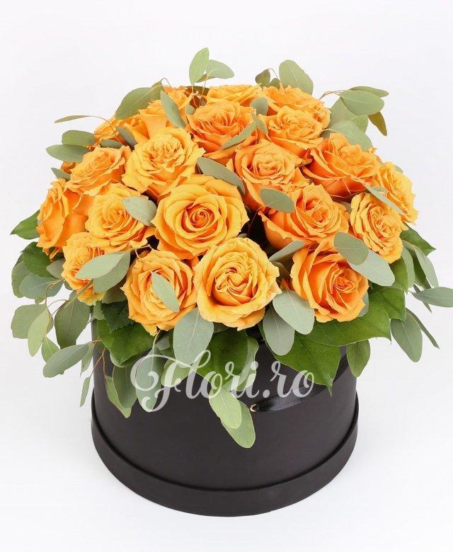 35 trandafiri portocalii, verdeață