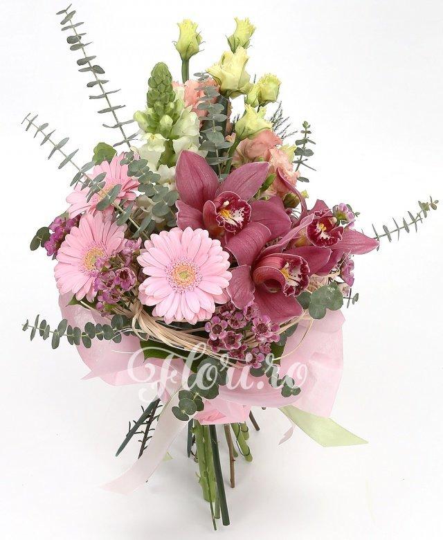gerbera roz,  antirrhinum,  lisianthus, cymbidium, verdeață