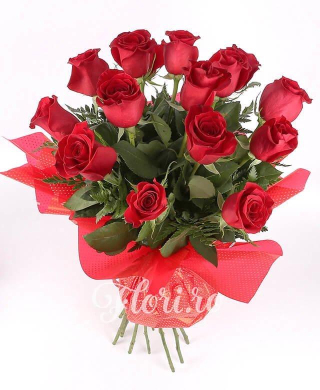 13 trandafiri roșii