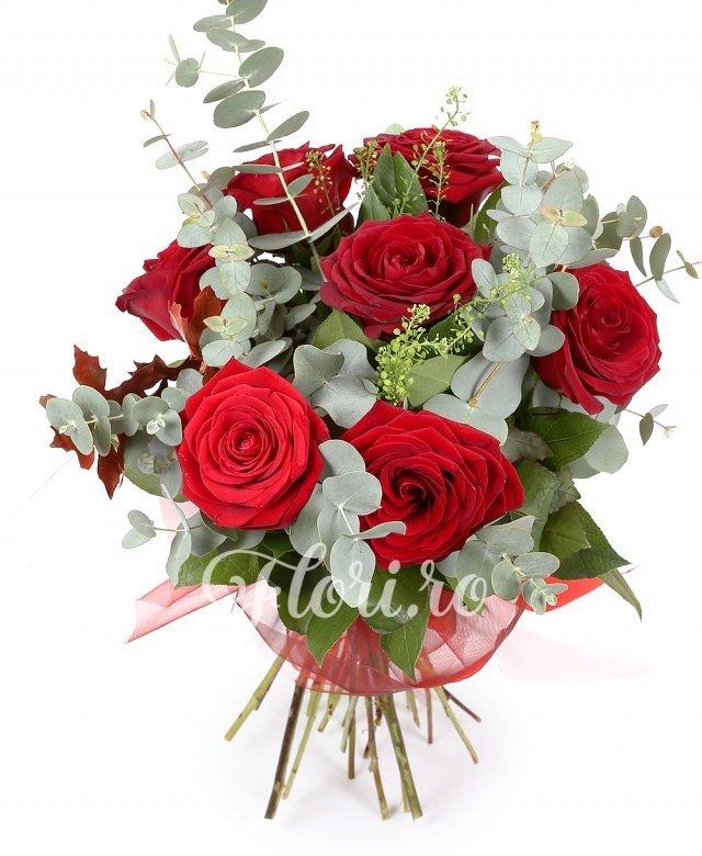 7 trandafiri roșii, verdeață