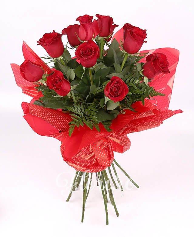 11 trandafiri roșii