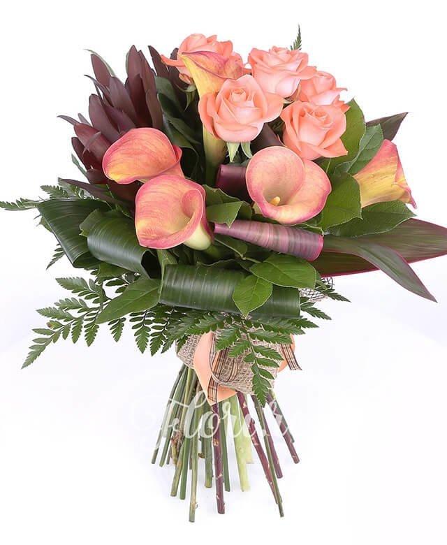 trandafiri portocalii,  cale portocalii,  leucadendron, verdeață