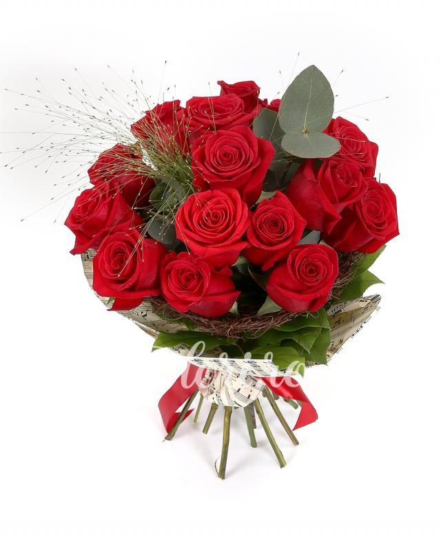 15 trandafiri rosii